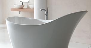 Chandelier Over Bath Tub In Victoria